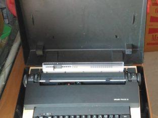 Macchina da scrivere Olivetti Praxis 30