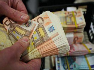 Offerte speciali e prende in prestito denaro velocemente tra privati