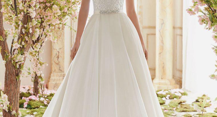 L'abito da sposa sposo a casa tua!