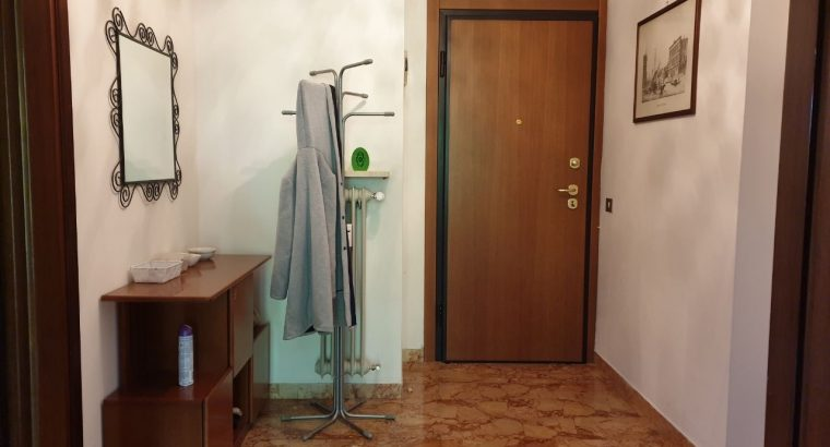 Stanza singola con bagno privato